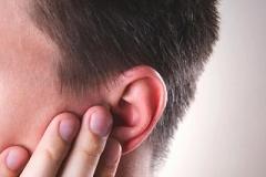 EARDRUMPERFORATION